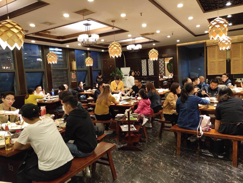 你了解重庆火锅加盟店经营技巧吗?憨石匠鲜菜火锅